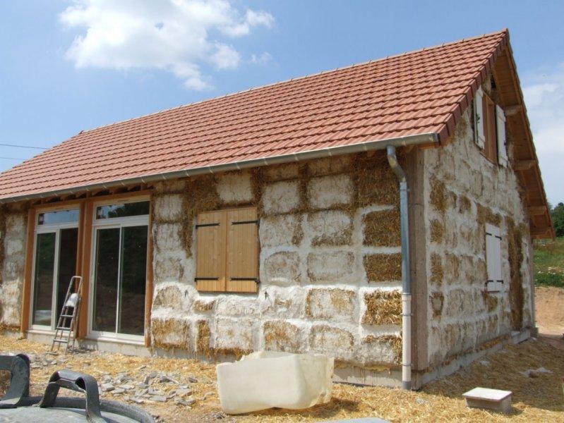Constructeur maison paille for Construction de maison en paille