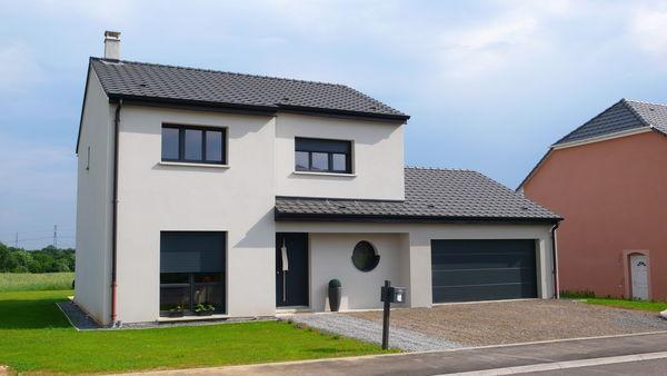 Maison etage double garage for Maison avec garage double