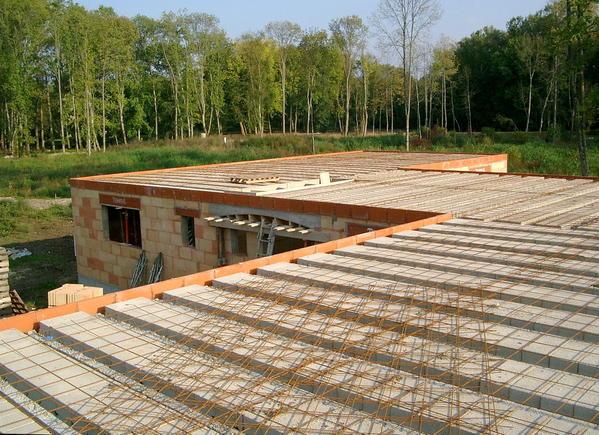 Maison etage plancher bois ou beton - Dalle de beton pour maison ...