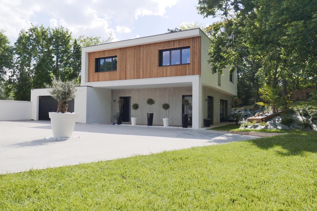 maison moderne a vendre lyon. Black Bedroom Furniture Sets. Home Design Ideas