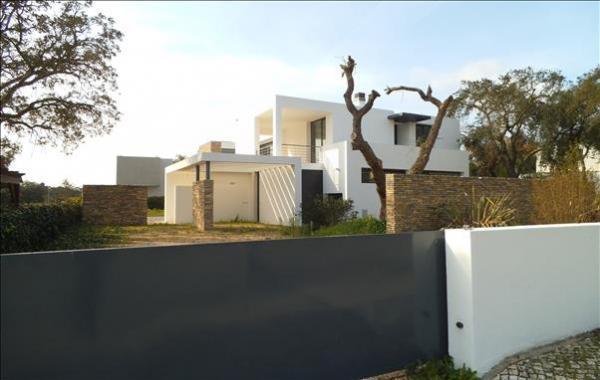 maison moderne a vendre portugal. Black Bedroom Furniture Sets. Home Design Ideas
