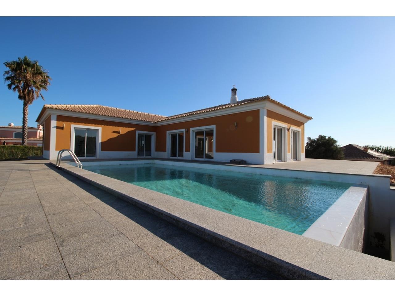 Maison au portugal bord de mer a vendre