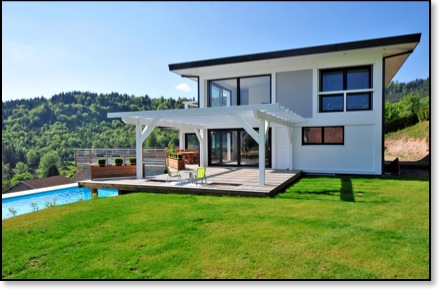 maison moderne avec terrasse. Black Bedroom Furniture Sets. Home Design Ideas