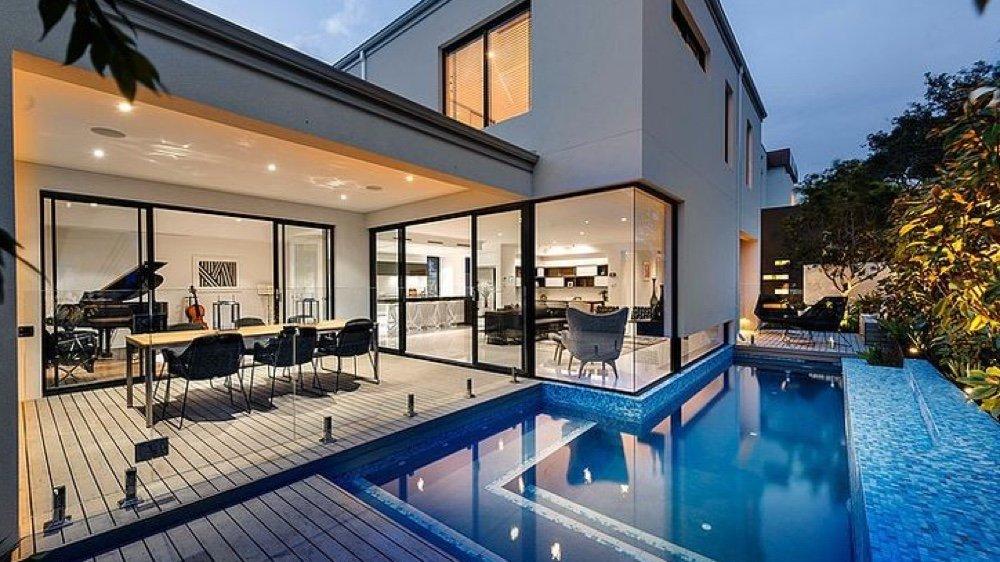 maison moderne baie vitree