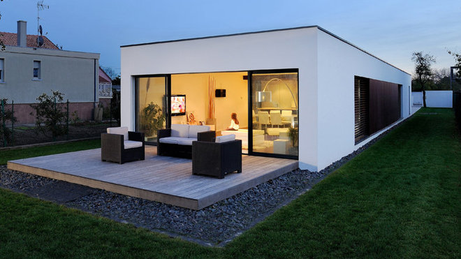 maison moderne etroite