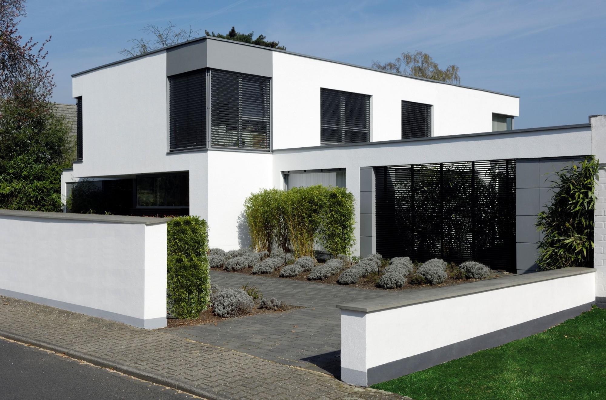 Maison moderne forme cubique - Forme de toiture maison ...