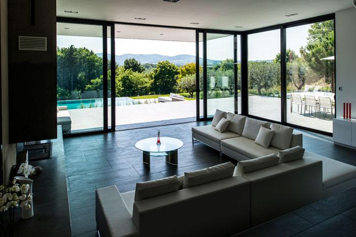 maison moderne grande baie vitree