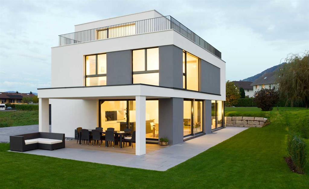 maison moderne gris et blanc