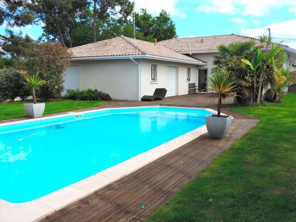 maison moderne plain pied 06 piscine