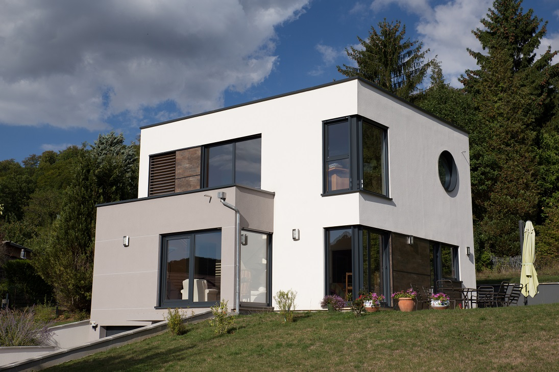 maison moderne terrain pente