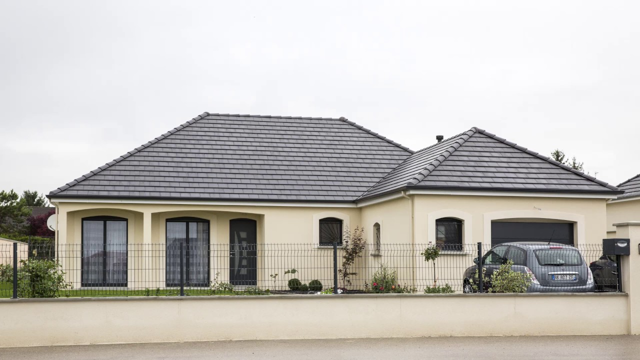Maison moderne toit 4 pentes for Maison moderne toit pente