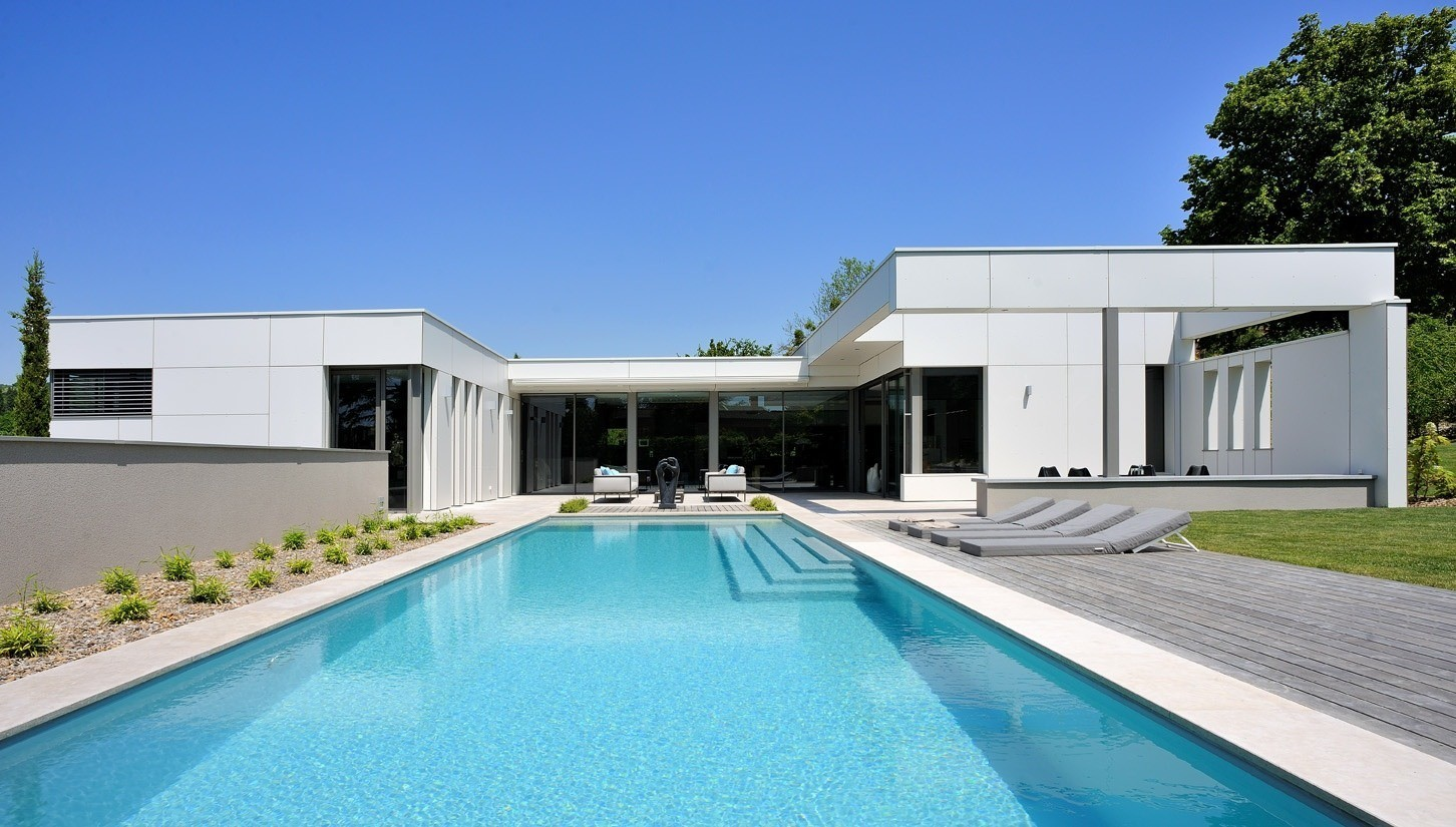 Maison plain pied en u piscine - Plan maison plain pied avec piscine ...