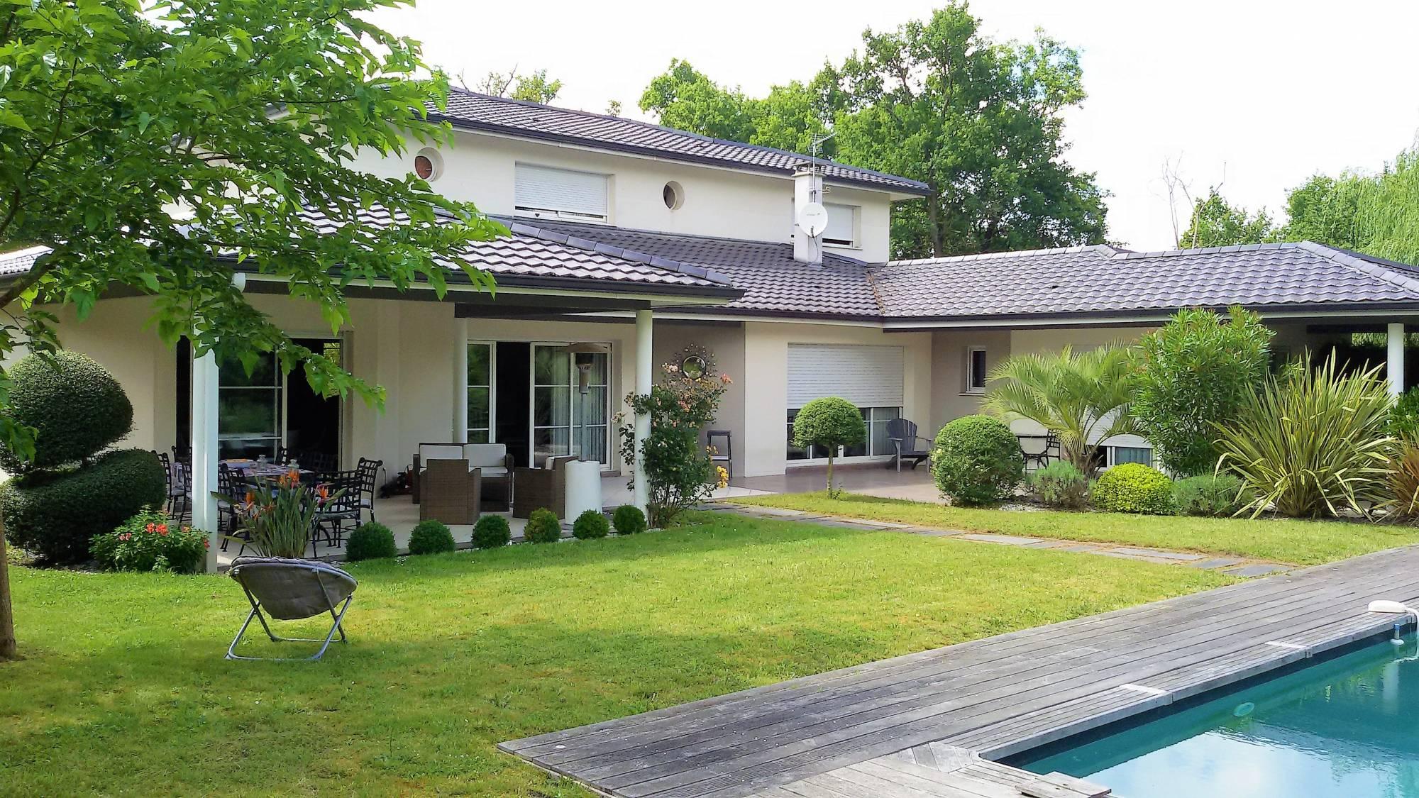 Maison moderne avec jardin - Recherche maison a louer avec jardin ...