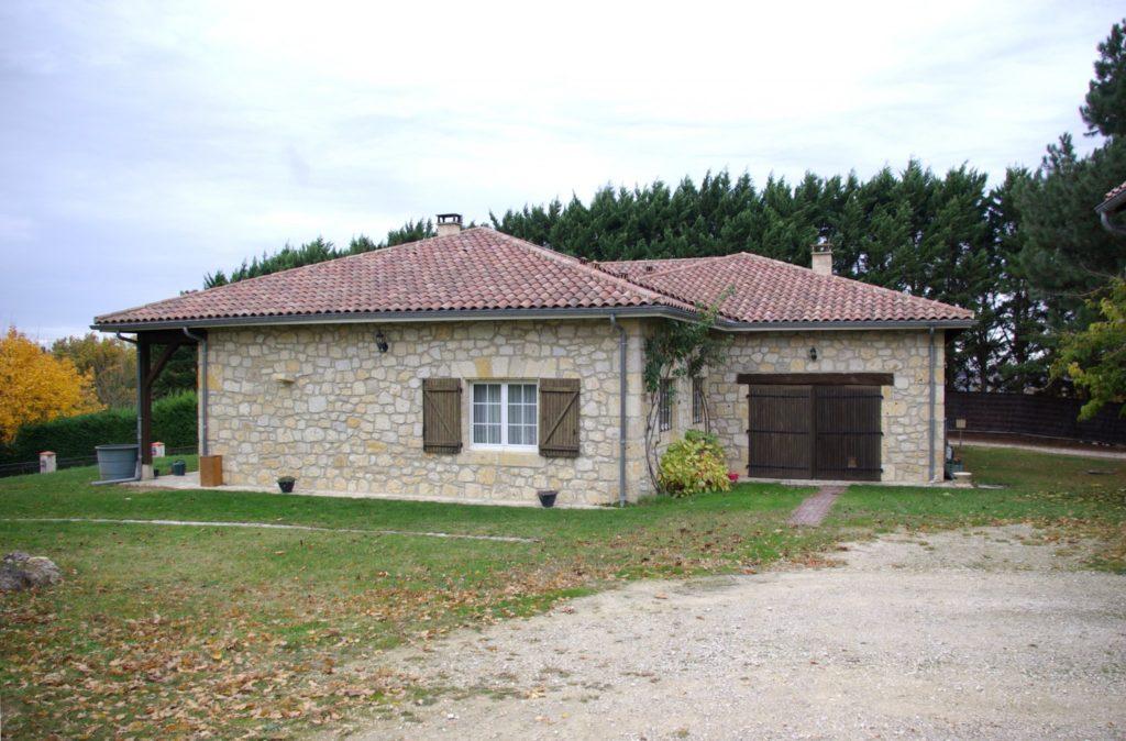 maison plain pied en pierre